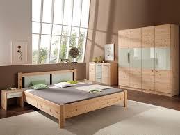 Schlafzimmer Farbe Streichen Schlafzimmer Flieder Lila Schlafzimmer Gestalten Ideen Fur