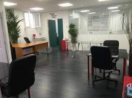 bureau de poste gare montparnasse 20 bureaux à louer ambiance startup