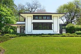 frank lloyd wright design style buy frank lloyd wright s prairie style hunt house for 700k curbed