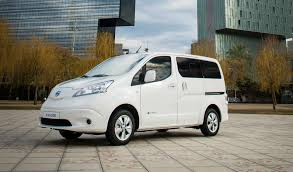 nissan minivan 2018 nissan e nv200 electric van gets longer range battery still no