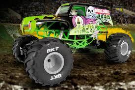 rc monster jam trucks axl90055 1 10 smt10 4wd rtr grave digger monster jam truck by