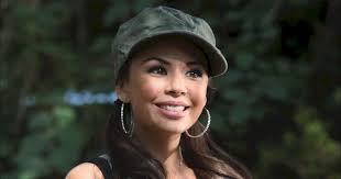 the changing faces of mona vanderwaal pretty little liars freeform