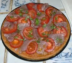 cuisiner thon frais tarte feuilletée au thon frais et tomates une cuisine pour