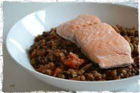 cuisiner des lentilles lentilles à la tomate et au saumon ddcuisine
