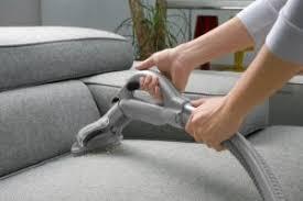 mousse nettoyante canapé comment nettoyer canapé mes tutos
