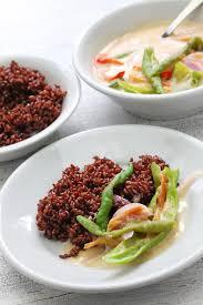 cuisine avec du riz datshi d ame avec du riz cuisine bhoutanaise photo stock