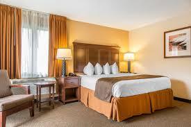 Massachusetts travel mattress images King hotel rooms black swan inn lee massachusetts jpg