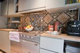 carrelage pour credence cuisine le carrelage mural en 50 variantes pour vos murs