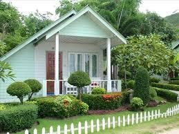 landscape design for cape cod style house backyard fence ideas