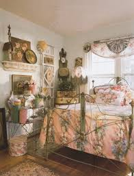 vintage wall color with pink floral comforter for retro bedroom