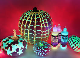 how to use black light paint glow in the dark pumpkins ilovetocreate