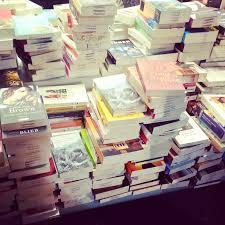Wohnzimmer Alte Und Neue M El Die Liebe Zu Den Büchern Von Mängelexemplaren Alten Gewohnheiten