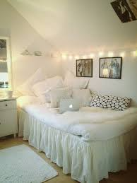 Home Decor Ideas For Small Bedroom Get 20 Small Room Decor Ideas On Pinterest Without Signing Up