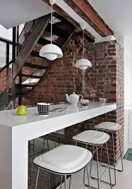 bar im wohnzimmer backsteinwand weiße glänzende bar wohnzimmer entwurf würfel