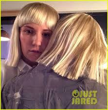 Chandelier Sia Dance Lena Dunham Performs Interpretive Dance To Sia U0027s U0027chandelier U0027 On