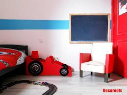 deco voiture chambre garcon chambre enfant voiture idées de décoration capreol us