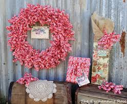 someday crafts wrapping paper wreath