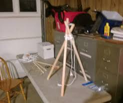 how to build a wilderness survival tripod 5 steps