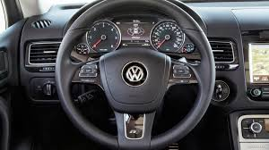 touareg volkswagen 2014 2014 volkswagen touareg tdi r line interior steering wheel hd