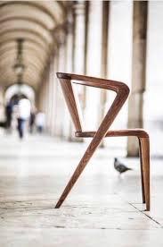 schreibtischstuhl design die besten 25 stuhl designklassiker ideen auf charles