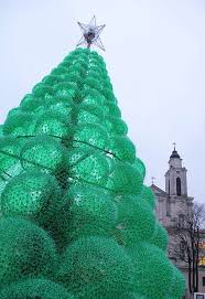 How To Decorate A Large Christmas Tree - 12 crazy materials used to make alternative christmas trees