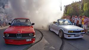bmw e30 modified bmw e21 and bmw e30 crazy burnout youtube