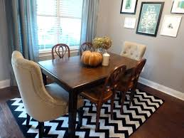 area rug under dining table what size to put room no paulmawer com