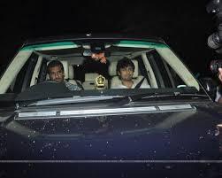 sonu nigam arrives at sachin tendulkar grand party house photo
