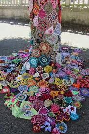 best 25 yarn bombing ideas on crochet l aquila