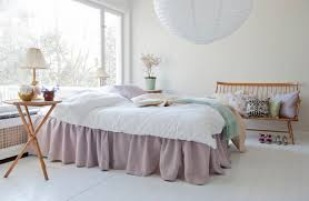 pretty in pink bed skirt loose fit country style in rosendal