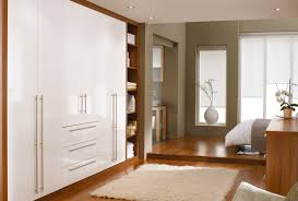 Brown And White Bedroom Furniture Contrasting White Bedroom Furniture With Neutral Colours Creates