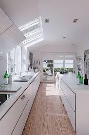 cuisine avec plan de travail plan de travail cuisine sur mesure design pas cher côté maison