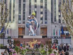 see the seated ballerina front center at rockefeller center