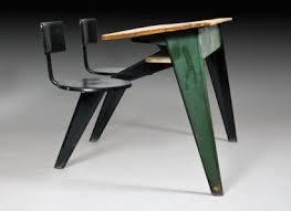 bureau jean prouvé jean prouvé bureau d écolier à structure en bois et en métal laqué vert