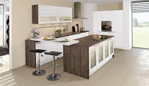 kleine küche mit kochinsel ein essplatz passt in jede küche ideen möglichkeiten