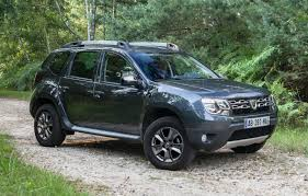 renault dacia sandero dacia duster facelift 2014 new photos revelead dacia duster