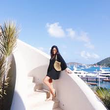 islands with the yacht week sazan