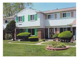 Four Bedroom Houses For Rent London Towne Houses Cooperative Apartments Chicago Il Walk Score