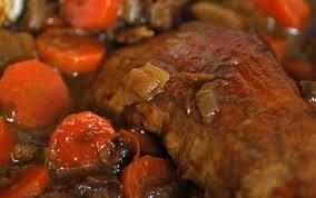 cuisiner un filet mignon de porc en cocotte recette mijoté de filet mignon aux pruneaux et légumes confits 750g
