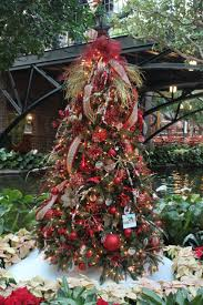Hgtv Holiday Home Decorating by 284 Best Christmas Tree Images On Pinterest Christmas