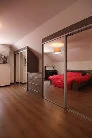 chambre sous les combles superbe amenagement chambre sous comble 9 placard sous pente
