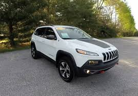 jeep chrysler white 2015 jeep cherokee trailhawk 4x4 white used jeeps martinsville