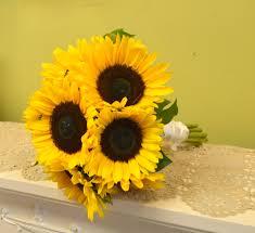 sunflower wedding bouquet simple and bright sunflower wedding