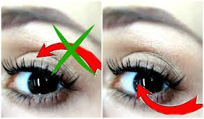 Do Eyelash Extensions Ruin Your Natural Eyelashes Applying False Eyelashes Underneath Your Natural Lashes Dyna