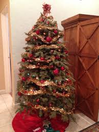 pictures of red and white decorated christmas trees fascinating on