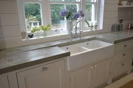 kueche magnolie arbeitsplatte grau betonoptik küchenarbeitsplatten arbeitsplatte küchenplatte spüle