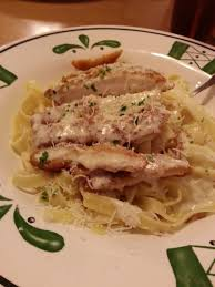 Olive Garden Never Ending Pasta Bowl Is Back - chicken fritta with fettucine and alfredo garlic sauce never ending