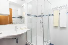 Bathtub Replacement Shower Local Plumber Cantonment Fl Handicapped Shower U0026 Bathtub