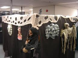 office cubicle halloween decorating ideas halloween cubicle