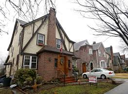 Paramount Realty Usa To Auction You Can Now Airbnb Donald Trump U0027s Childhood Home For 725 A Night